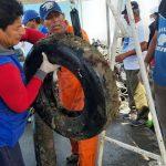 Recolectan casi 4 Toneladas de Basura del Fondo Marino en puerto de Piura
