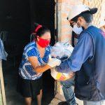 Voluntarios lo ponen todo para Hacer llegar Canastas a Familias